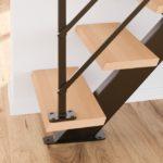 Détail des marches chanfreinées de l'escalier Poutre² bois métal Les Menuiseries Francaises